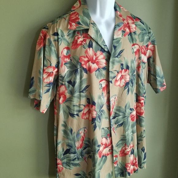Hilo Hattie Other - Hilo Hattie Mens PARROT Button Up Hawaii sz. L